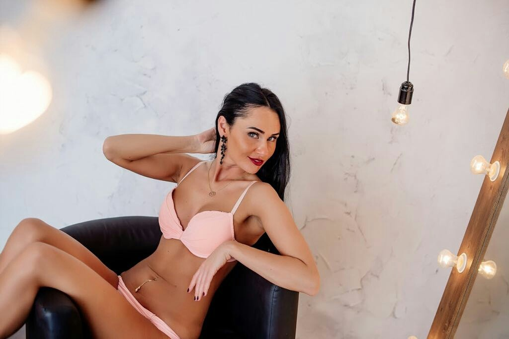 VALENTINA, Istanbul call girl, Outcall Istanbul Escort Service
